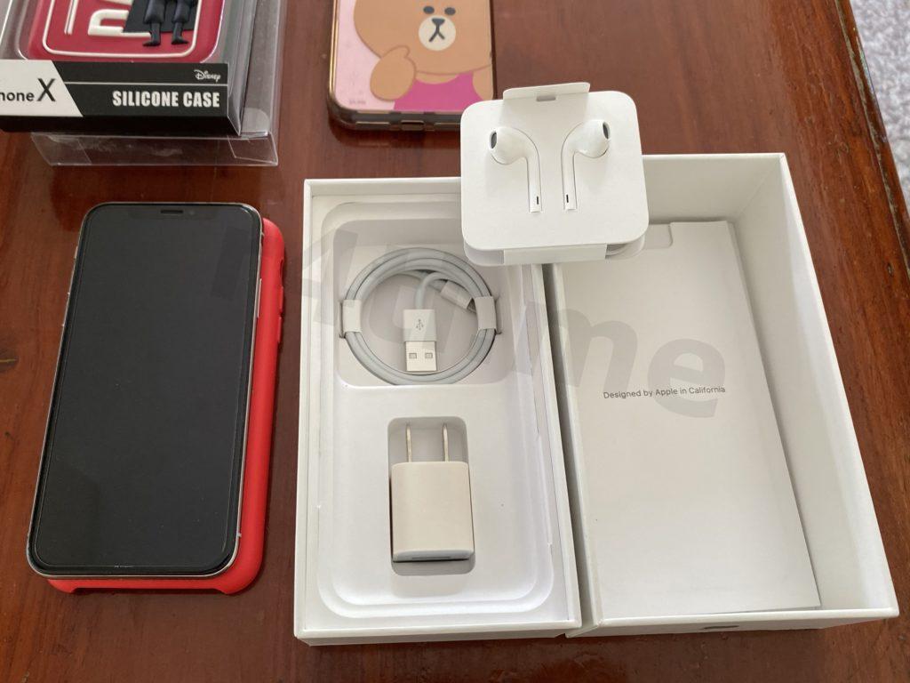 iPhone X สีขาว มือสอง พร้อมอุปกรณ์ยังไม่ได้ใช้งาน